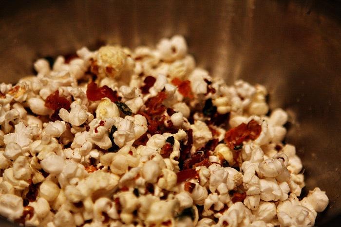 2011-02-10-Bacon-Sage-Popcorn-043